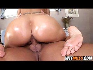 Fucking and sucking sexy MILF Syren De Mer 3