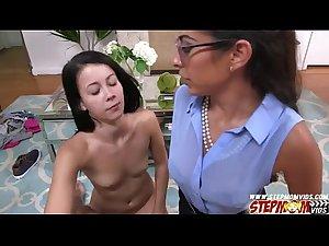 Alaina Kristar free fuck lesson from stepmom Sofia Rivera