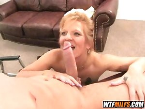Older MILF likes young dick 2