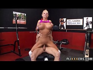 Mom fucks her personal trainer Nikita Von James 93