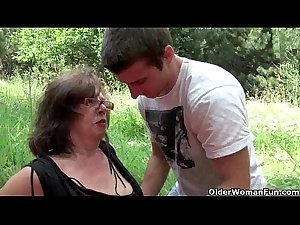 Nothing feels better than grandma&#039_s cunt outdoors