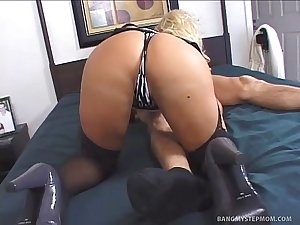 Busty mother helps her step-son (by site  Bang My Stepmom)